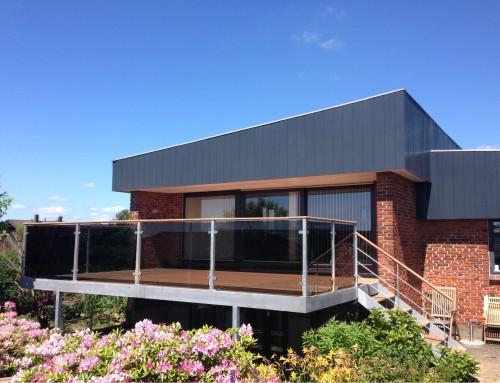 Terrasse med overdækning - Design Smedien