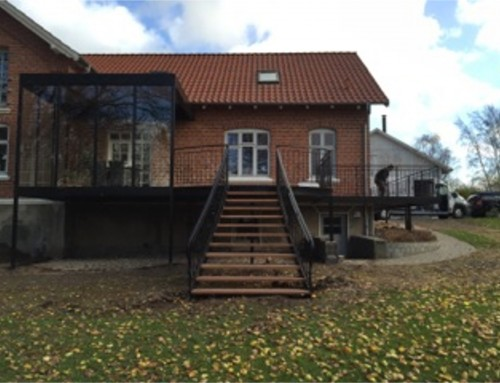 Terrasse med overdækning